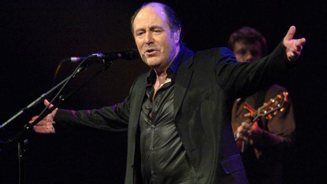 Michel-delpech.un-chanteur-populaire-parti-flirter-avec-les-anges_0